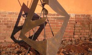 Installazione in metallo