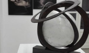 Opera in marmo esposta alla alla Biennale internazionale di arte sacra 2018 di Palermo